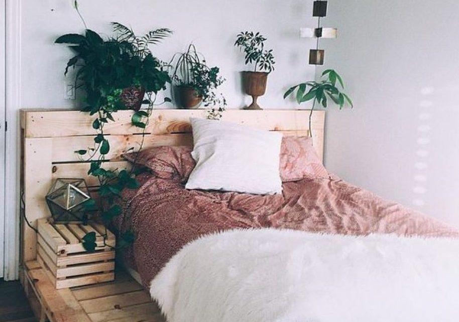 ¿Cómo hacer una cama con paletas de madera?